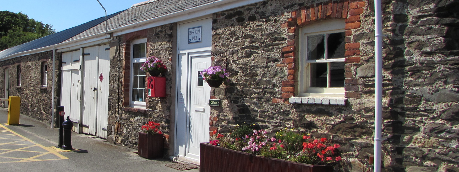 Unique Penrhyn Hall Llandudno Pet Friendly Caravan Hire